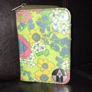 Huisteil Retro and Floral Wallet